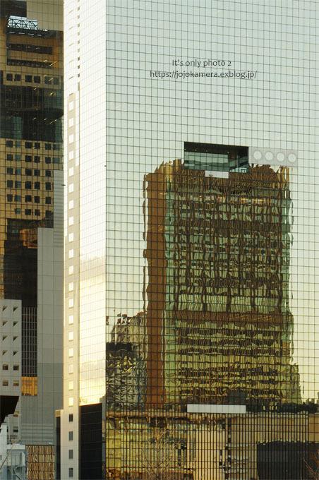 2(Two) -Building inside building-_b0391986_17394757.jpg