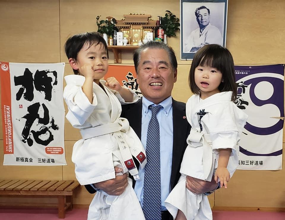 高知県西部に位置する四万十市の昇級審査会と、ご父兄の皆さまも交えての忘年会に出席。_c0186691_15195711.jpg