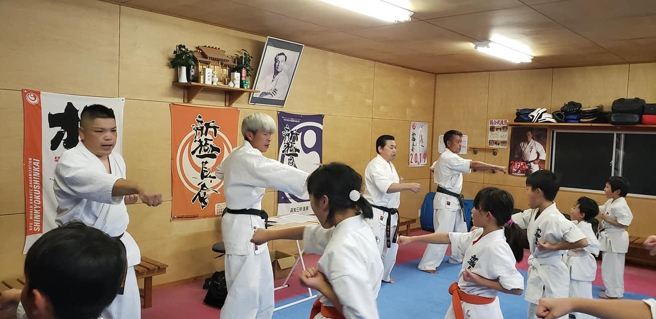 高知県西部に位置する四万十市の昇級審査会と、ご父兄の皆さまも交えての忘年会に出席。_c0186691_15203319.jpg
