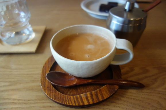 Bnei Coffeeさんでスパイスチャイ_e0230011_17104359.jpg