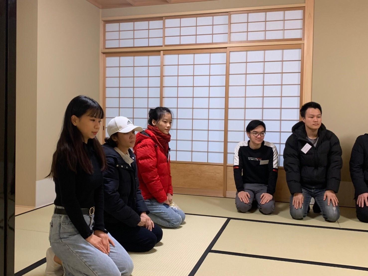 日曜朝教室(2019.12.22)お茶会🍵_e0175020_09432329.jpeg