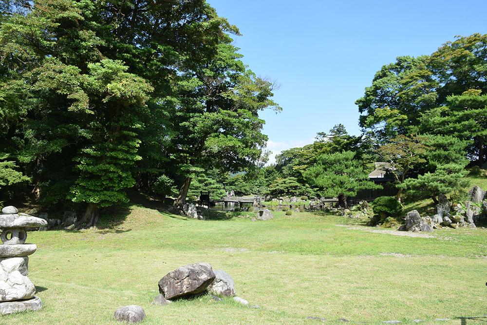 国宝・彦根城を歩く。 その6 <楽々園~玄宮園>_e0158128_19530610.jpg