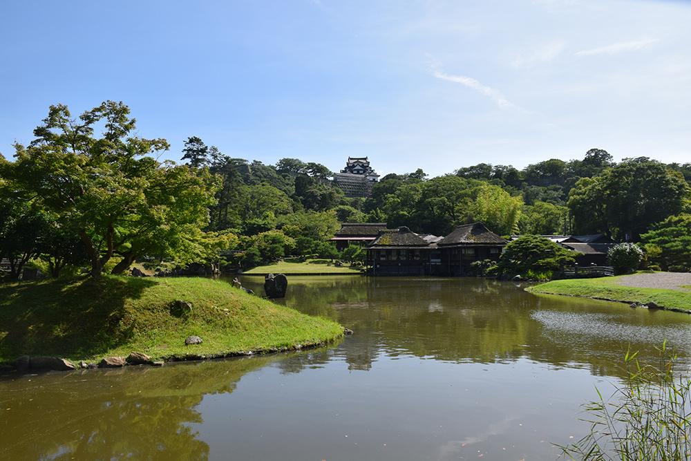 国宝・彦根城を歩く。 その6 <楽々園~玄宮園>_e0158128_20165291.jpg