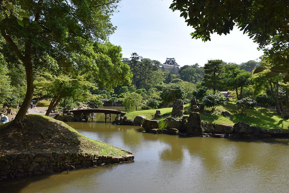 国宝・彦根城を歩く。 その6 <楽々園~玄宮園>_e0158128_20165858.jpg