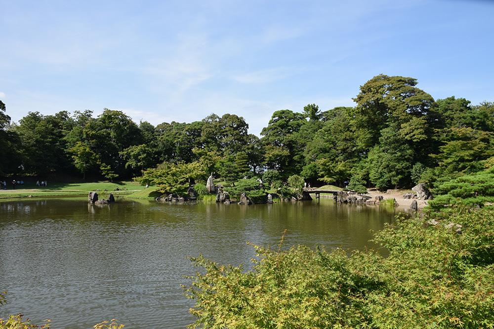 国宝・彦根城を歩く。 その6 <楽々園~玄宮園>_e0158128_20192807.jpg