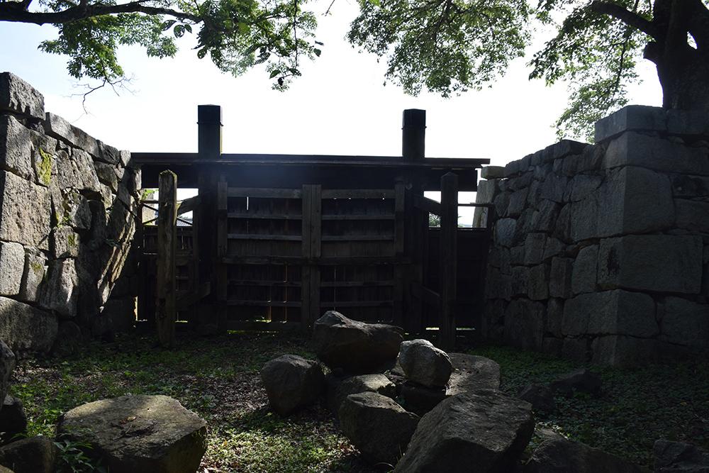 国宝・彦根城を歩く。 その7 <大手門~山崎曲輪>_e0158128_21104387.jpg