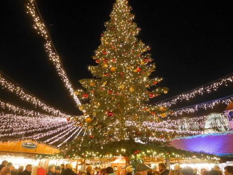 キラキラ夜のクリスマスマーケット_f0210340_05210776.jpg