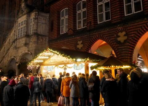 キラキラ夜のクリスマスマーケット_f0210340_05213314.jpg