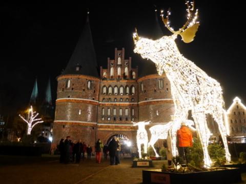 キラキラ夜のクリスマスマーケット_f0210340_05214503.jpg