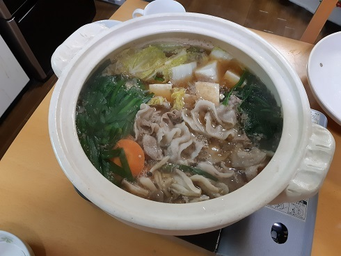 鍋の季節ですね。_b0138552_20120899.jpg