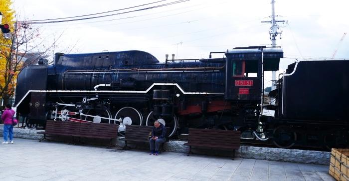 嵯峨嵐山駅前のD51蒸気機関車  2019-12-26 00:00    _b0093754_22342699.jpg