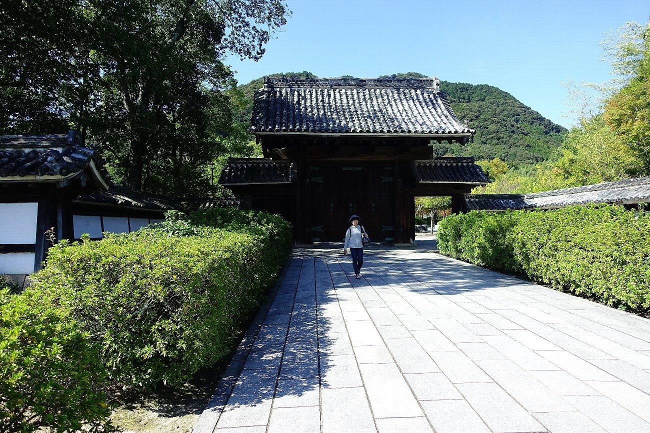 旧山口藩庁門_c0112559_08335573.jpg