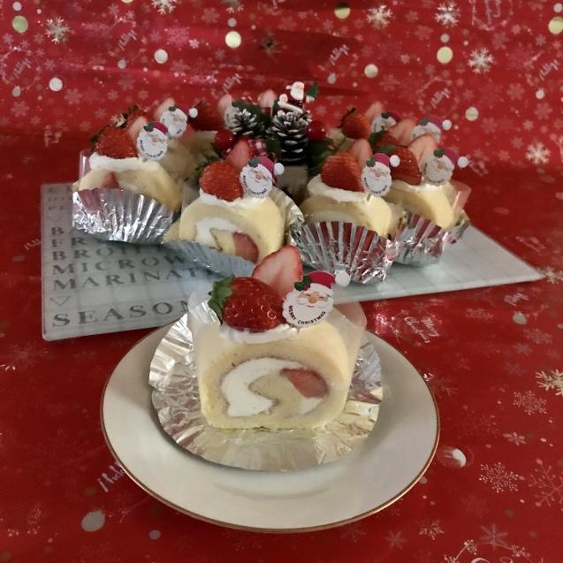 イチゴのシフォンロールdeクリスマス☆_e0141159_13460796.jpeg