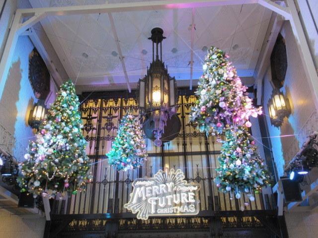 IZUMIYA 泉屋東京店 * 老舗菓子店のクリスマス限定缶♪_f0236260_22403873.jpg