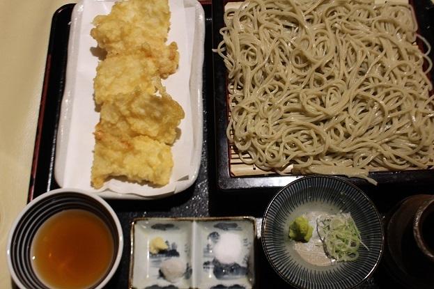 今日のお昼は 「蕎麦屋酒 しの崎」 _f0362073_11381048.jpg