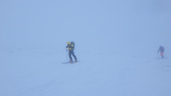 十勝岳で氷雪登山。_a0141678_23182862.jpg