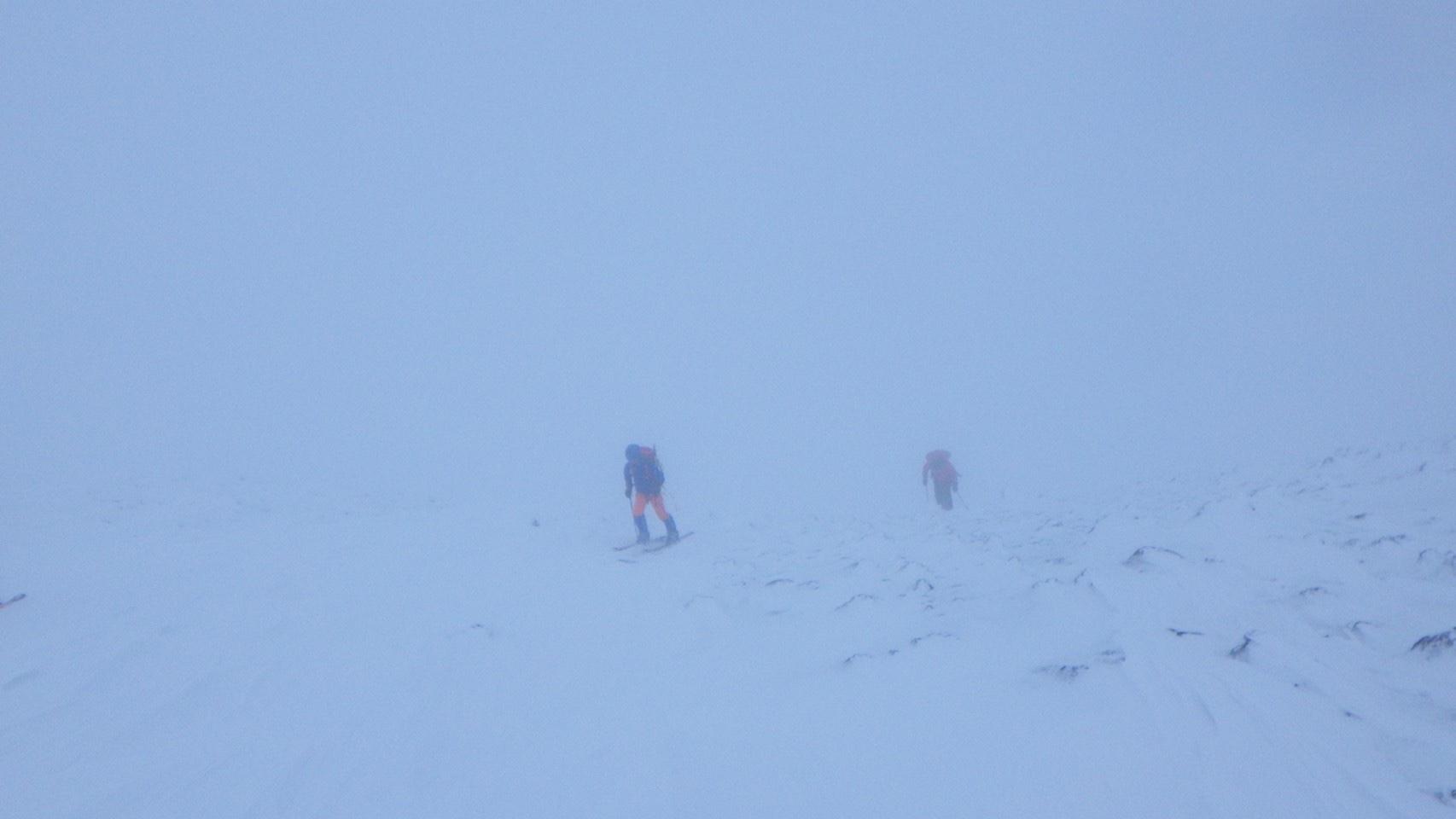 十勝岳で氷雪登山。_a0141678_23220220.jpg