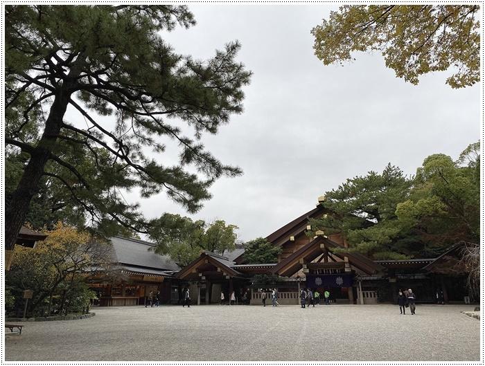 愛知県(名古屋周辺)でのお出かけ その3 意外と近くにあったのに、初めての熱田神宮 (11月28日)_b0175688_23555671.jpg