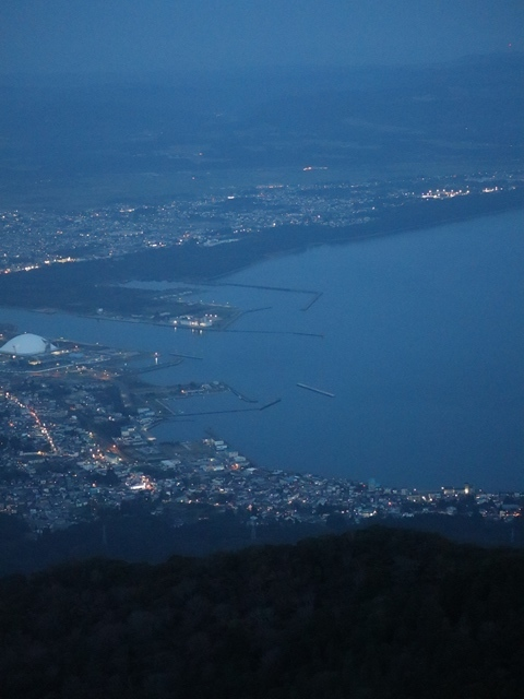 藤田八束鉄道の旅、恐山を訪ねて・・・・むつ市・渡辺水産のベビーホタテと裂きイカ、これ最高です。美味しさの秘訣は自然の恵みにありました。_d0181492_23483568.jpg