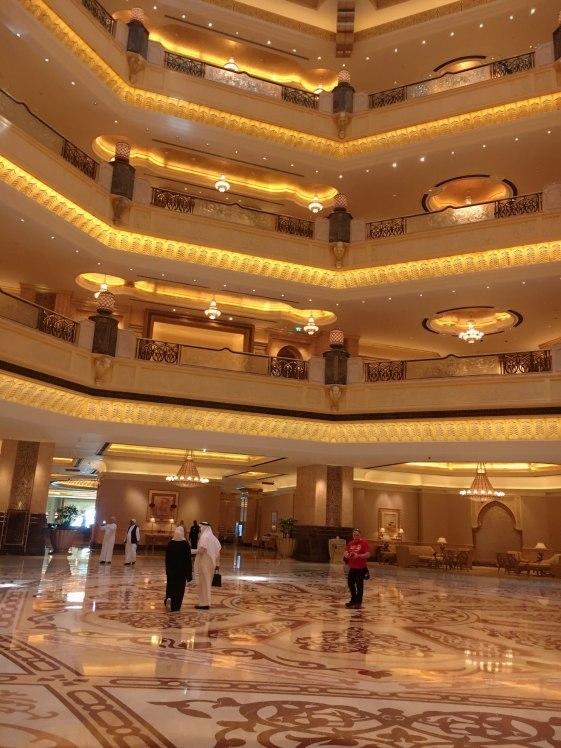 エミレーツパレスホテル③絢爛豪華な館内 | カナーシャかなりん地味OL