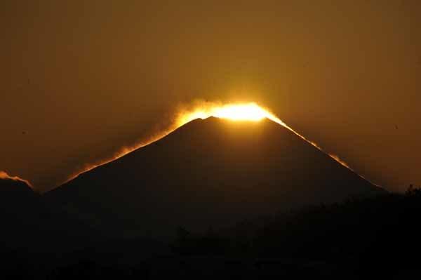 多摩川の夕暮れとダイヤモンド富士_f0173596_18194211.jpg