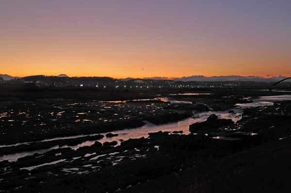 多摩川の夕暮れとダイヤモンド富士_f0173596_18203958.jpg