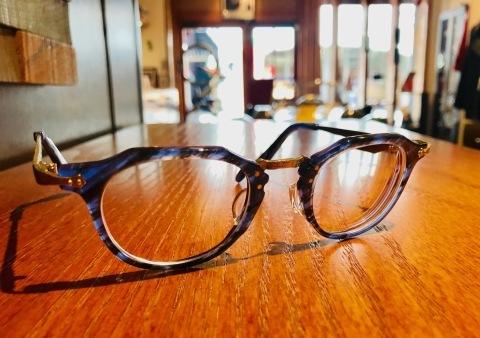 中根英登プロのオフのメガネは任せとけ。_f0251601_12421778.jpg