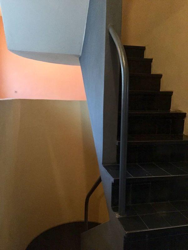 令和最初のヨーロッパ買い付け後記21 ヴァイセンホーフジードルングへ!! 入荷コルビジェも愛したGRASのランプ。超レア物あり。_f0180307_23064987.jpg