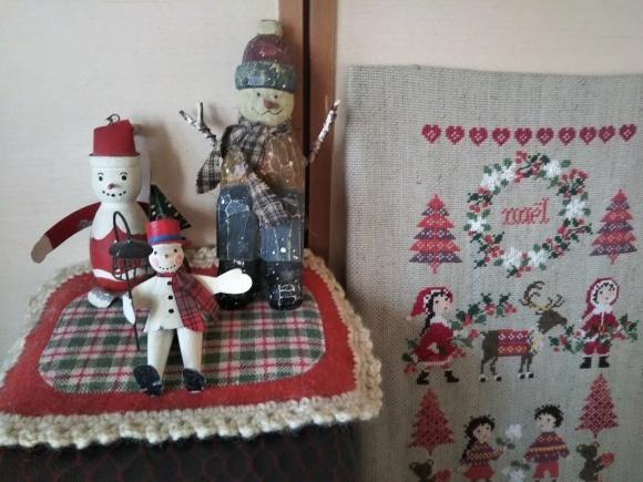 一応クリスマス画像と対角線猫_f0316507_18531391.jpg