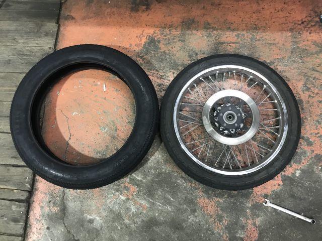 CBX125カスタム タイヤ交換完了!_a0164918_17452401.jpg