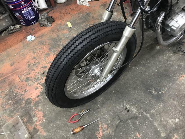 CBX125カスタム タイヤ交換完了!_a0164918_17453327.jpg