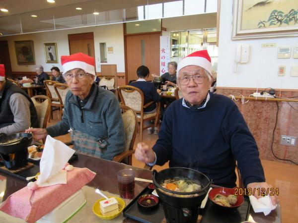 ケアハウスのクリスマス会兼忘年会_a0166025_22182235.jpg