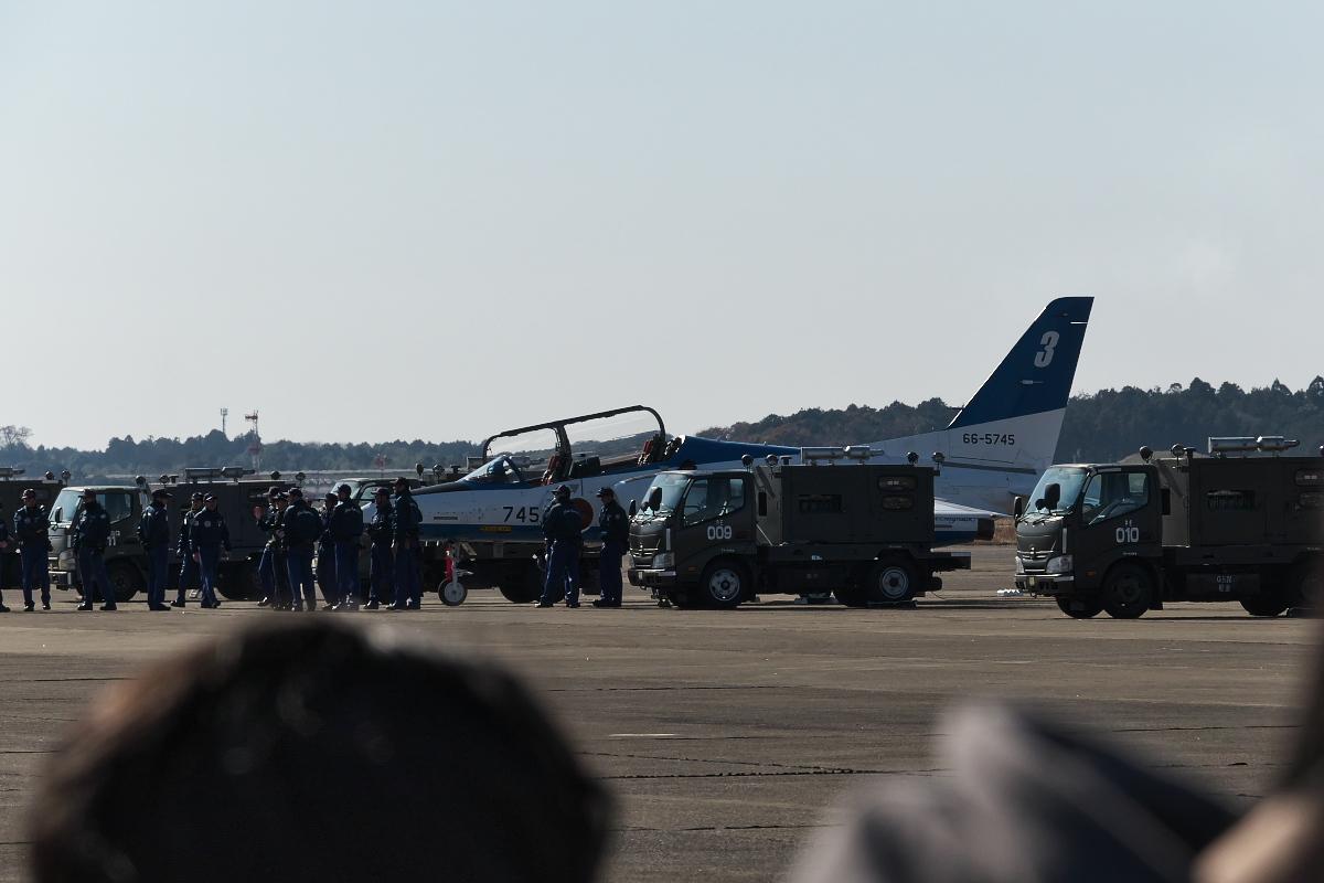 令和元年百里基地航空祭(その1)久しぶりのブルーインパルス_d0137627_22191041.jpg