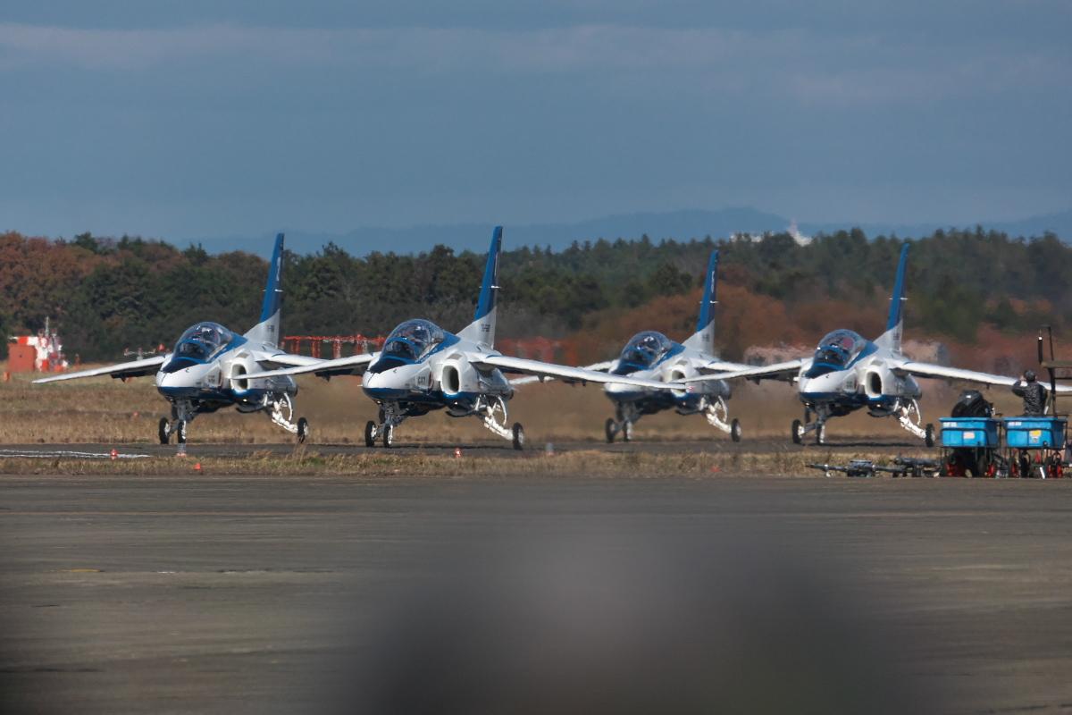 令和元年百里基地航空祭(その1)久しぶりのブルーインパルス_d0137627_22284792.jpg