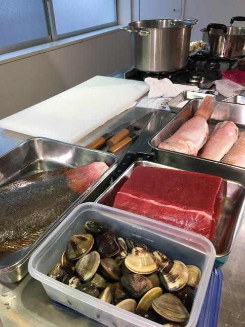 ドメニカ・ドーロ シェフのお魚料理レッスンを開催いたしました。_d0041729_12124190.jpg