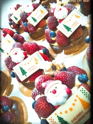 クリスマスケーキ作っています♪_c0266240_12234118.jpg