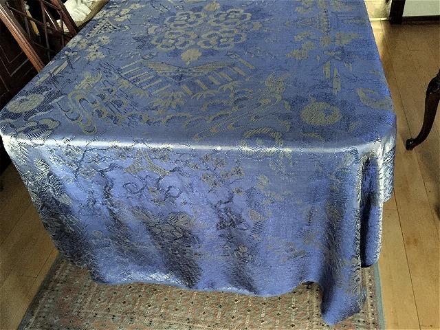 ブルー織模様のテーブルクロス、またはベッドカバー316_f0112550_03053341.jpg