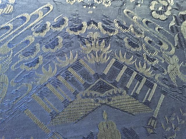 ブルー織模様のテーブルクロス、またはベッドカバー316_f0112550_03053490.jpg