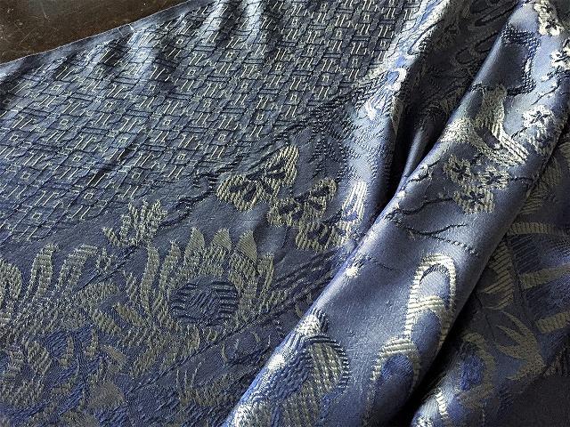 ブルー織模様のテーブルクロス、またはベッドカバー316_f0112550_03072324.jpg