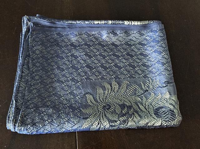 ブルー織模様のテーブルクロス、またはベッドカバー316_f0112550_03072328.jpg