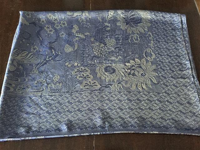 ブルー織模様のテーブルクロス、またはベッドカバー316_f0112550_03072368.jpg