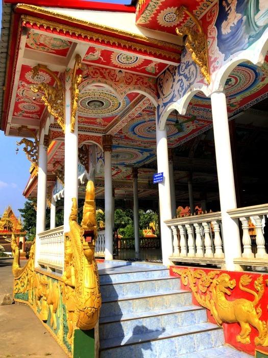 ラオスの旅 9  タート・ルアン南寺院その2_a0092659_12043359.jpg
