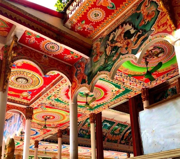 ラオスの旅 9  タート・ルアン南寺院その2_a0092659_12180017.jpg
