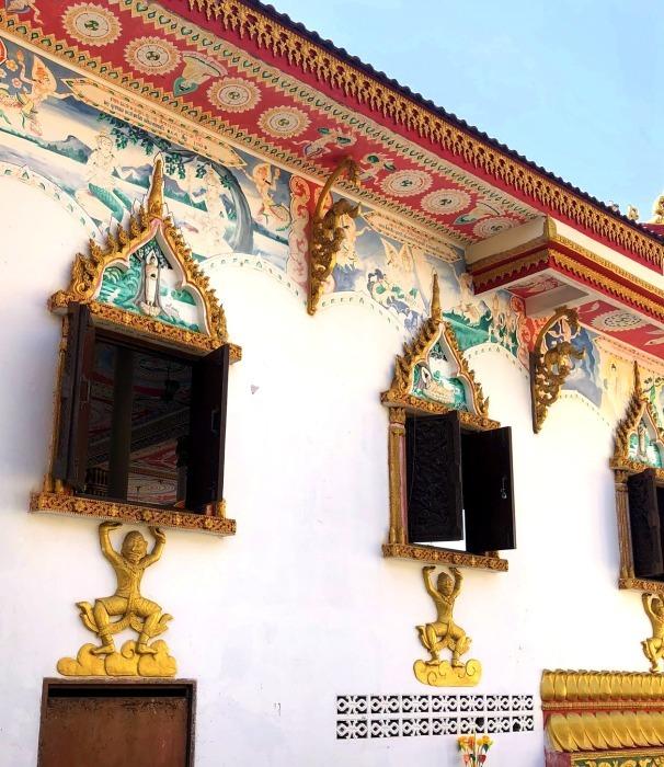 ラオスの旅 9  タート・ルアン南寺院その2_a0092659_12392485.jpg