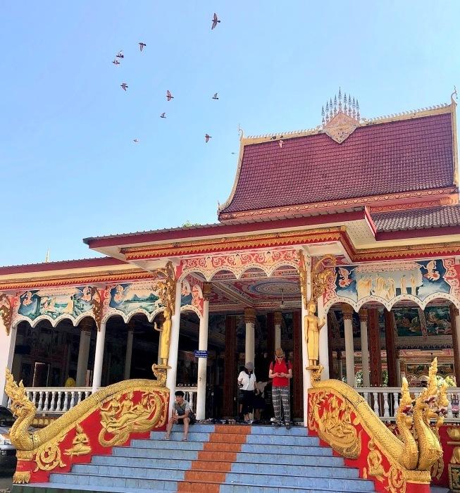 ラオスの旅 9  タート・ルアン南寺院その2_a0092659_18140108.jpg