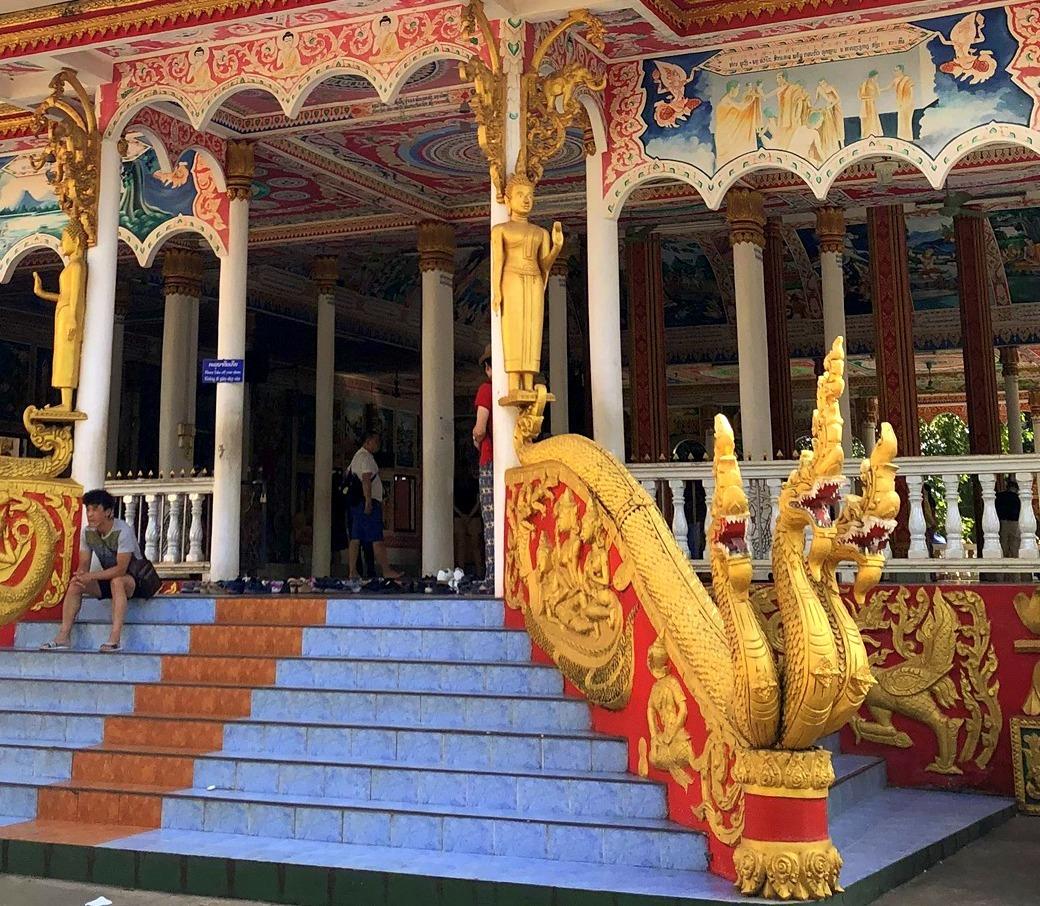 ラオスの旅 9  タート・ルアン南寺院その2_a0092659_18185754.jpg