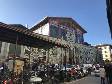 ダ・ミケーレのピッツァでクリスマス前の市場を乗り切る!_a0136671_01482930.jpeg
