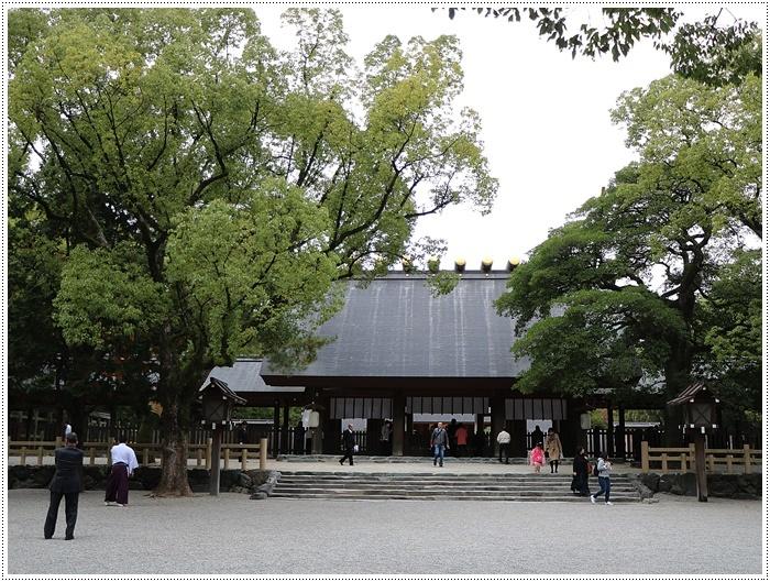 愛知県(名古屋周辺)でのお出かけ その3 意外と近くにあったのに、初めての熱田神宮 (11月28日)_b0175688_00001557.jpg