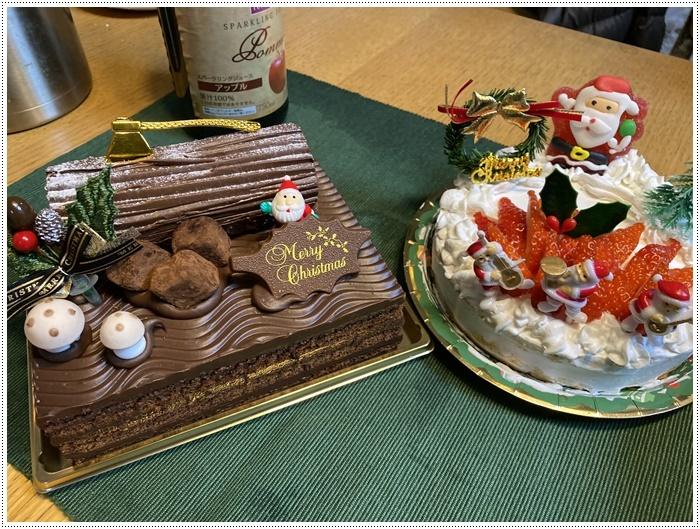 今夜はクリスマスイブ、我が家はクリスチャンではないけど、さくらも大も、色々食べられて、それだけで大満足だね~_b0175688_20414216.jpg