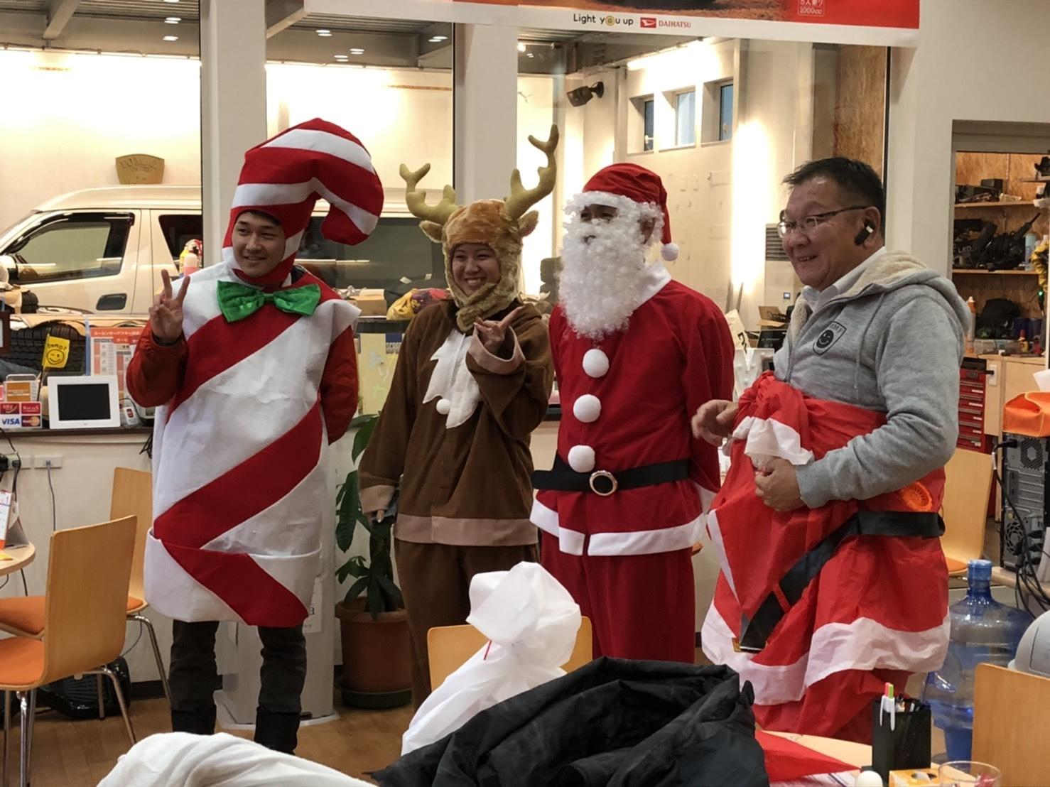 メリークリスマス(^^♪TOMMYサンタも出動!!!G社様 納車(^^)/ エスカレード、ハマー、ハイエース_b0127002_17585697.jpg